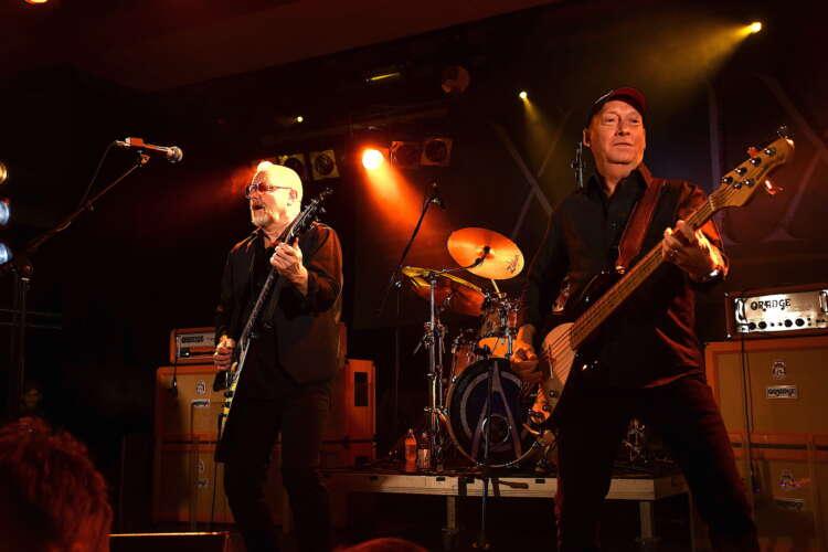 Wishbone Ash: Real Guitars Have Wings (2009)